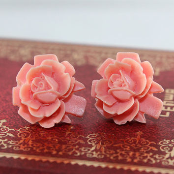 Flower earringsBeige rose earring by BeautyandLuck on Etsy