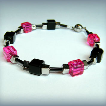 Punky Hot Pink and Black glass bead bracelet with a magnetic clasp