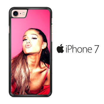Ariana Grande Kiss Lips iPhone 7 Case
