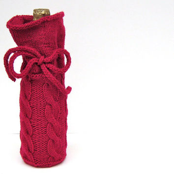 Sale 25% Off - Wine Bottle Bag, Wine Bottle Cozy in Cable Knit Cherry Red , Housewarming Gift, Bridal Shower Gift