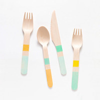 colorblock wooden utensils - blues