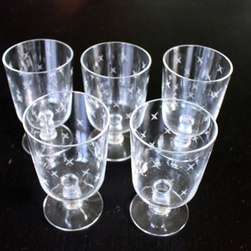 set of 5 atomic etched sherry cocktail glasses // mid century 'X' pattern // vintage stemware barware