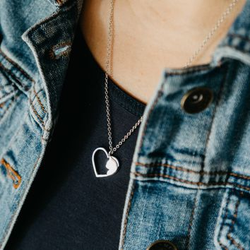Cutout Silhouette Heart With Cat Necklace