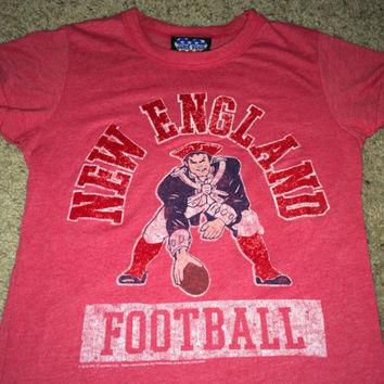 Sale!! Vintage NEW ENGLAND Football Shirt NFL jersey Junk Food tee