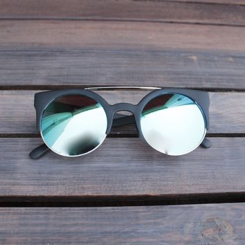FINAL SALE - quay australia - 'live now' 50mm cat eye sunglasses