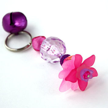 Pink and Lavender Purple Flower Keyring, Beaded Acrylic, Kawaii Keychain, Key Ring, Chain, Bell, Gold Lucite Daisy