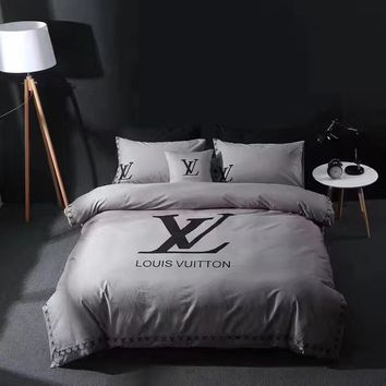 Louis Vuitton Duvet cover Blanket Quilt coverlet Pillow shams 4 PC Bedding SET