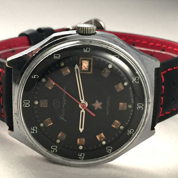 "VINTAGE USSR Military men's watch Vostok ""Komandirskie"". This Soviet army watch comes with new leather strap."