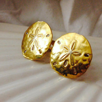 Vintage Beautiful Crown Trifari Gold Tone Sand Dollar Earrings Clip-On mid century earrings retro clip on earrings Beach themed