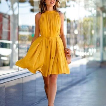 DCCK8H2 Yellow Pleated Drawstring Dress with Pocket