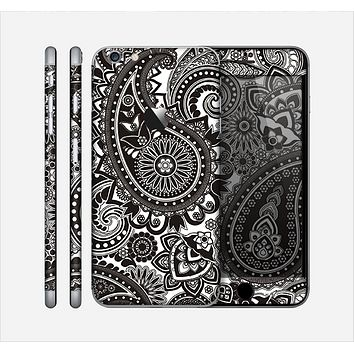 The Black & White Paisley Pattern V1 Skin for the Apple iPhone 6 Plus