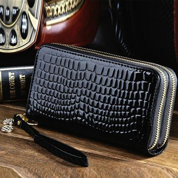 DUDINI Hot Sale Women Big Capacity Ladies Purses High Quality Patent Pu Leather Women Wallets Femal Luxury Double Zipper Holder