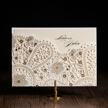 100pcs/lot Laser Cut Wedding Invitations Elegant White Birthday Invitations Cards with Envelopes and Seals Party Supply CW5181