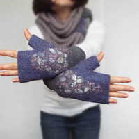 Felt fingerless gloves. Felted mittens. Gray purple fingerless mittens.