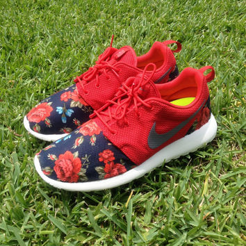 "Custom Nike Roshe Run ""Rose Floral"""