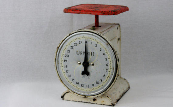 Vintage way rite 25 pound kitchen scale from riverrat antiques for How much is a kitchen scale