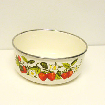 Strawberry Serving Bowl - Vintage