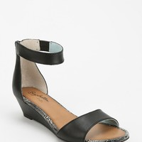 Seychelles Sometimes Wedge Sandal - Urban Outfitters