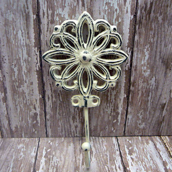 Floral Petal Cast Iron Hook Shabby Style Chic Creamy OFF White French Decor Bathroom Flower Towel Leash Coat Key Jewelry Mudroom Wall Hook