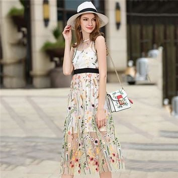 2017 FALL FASHION Women's Gorgeous Sleeveless Boho Knee Length Dress With Floral Embroidery