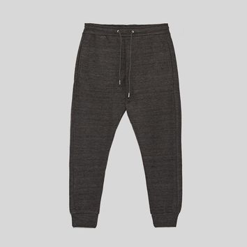 BASIC JOGGING TROUSERS DETAILS