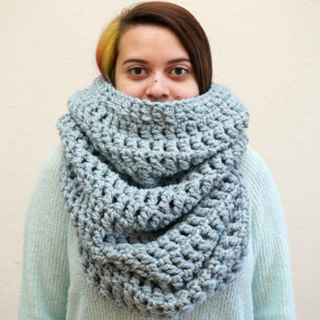 oversized scarf, oversized cowl, hood scarf, crochet hood, blue cowl, wool cowl, chunky scarf, crochet cowl / THE GWENDOLYN / Stone