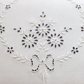 Linen Tablecloth White Cutwork Embroidery 90 x 98