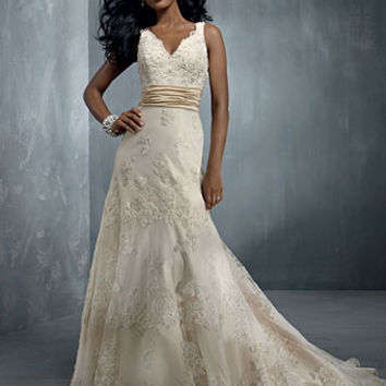 Alfred Angelo 2251A Sample Sale Wedding Dress