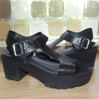 Vintage 90s Platform Shoes | 1990s Shoes | T-Strap Sandals | Chunky Lug Sole | Strappy Grunge | Sz 9 9.5