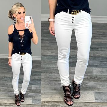 Kan Can Exposed Button Raw Hem Jeans