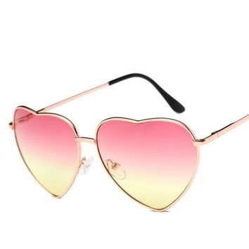 2017 Fashion Sunglasses Women Luxury Brand Designer Vintage Sun glasses Sunglasess women peach heart glasses UV400