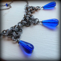 Women silverplated chainmaille necklace with blue glass by Arthlin