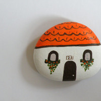 Mini house magnet, inspiration board, handpainted on stone, white house, orange roof