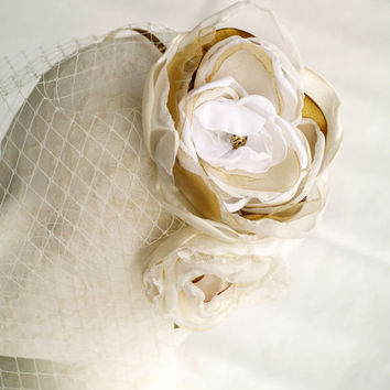 White Champagne Bridal Head Piece, Flower Headband, Ivory Birdcage Veil, White And Gold Wedding, Bridal Fascinator, White Gold Silk Flowers
