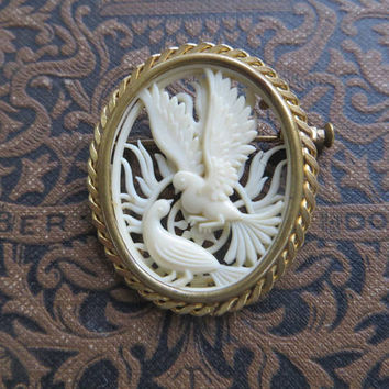 Vintage Carved Celluloid Pin,  Pair of Doves Brooch, Depose France Bird Brooch, Vintage Bird Jewelry