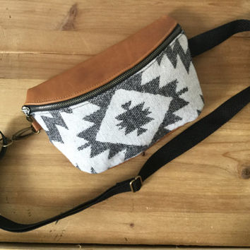 Nova Fanny Pack / Belt Bag / Hip Bag / Bum Bag / Tribal print/ Bohemian Style/ Santa Fe