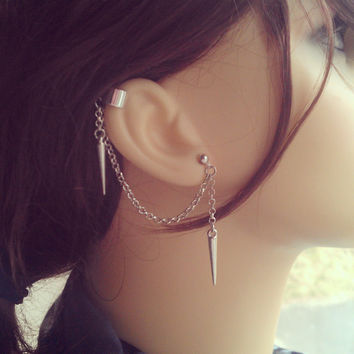Spiked Ear Cuff - Earring Stud, Silver plated, Chain - No cartilage piercing needed!