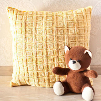 Cable knit pillow cover. Decorative pillow 45x45. Knit home décor. Yellow  knit pillow. Baby room décor.