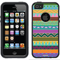 """""""Tribal Green"""" Tribal Prints design on OtterBox® Commuter Series® Case for iPhone 5 in Black"""