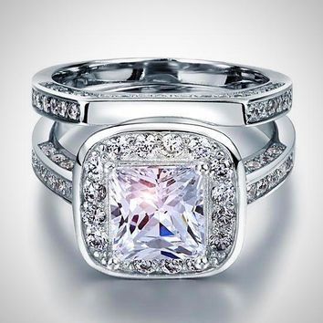 Sophisticated antique-style engagement ring