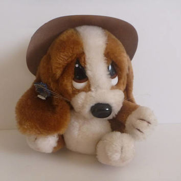 Sad Sam vintage applause stuffed animal. sad puppy. stuffed animal. puppy. dog.