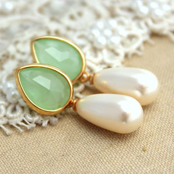 Mint Green Bridal jewelry Pearls Rhinestones and gold earrings - 14K Gold  plated earrings with white Majorica perfect pearl.