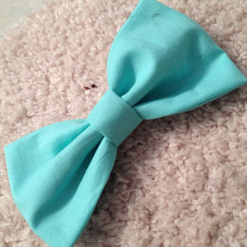 Large turquoise bow w/ barrette