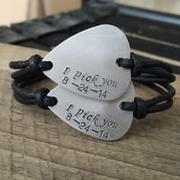 Couples bracelet, Personalized bracelets, Guitar pick bracelets, his hers Gift, husband wife bracelets, boyfriend girlfriend gift i pick you