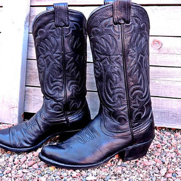 Vintage 70s Olathe Boots mens 7 D  /  black leather cowboy boots / Made in USA / tooled  western boots