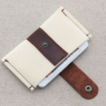 IPhone 5 case. iPhone felt case. iPhone 4s case with metal button closure. Cream felt iPhone sleeve. Leather IPhone case.