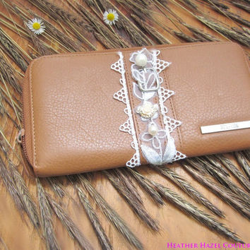 light brown, leather wallet, zipper wallet, white lace, leaf wallet, environment friendly, altered couture, freshwater pearl, indie wallet