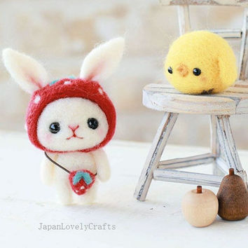 Japanese Needle Wool Felt Mascot DIY Kit - Strawberry Hat Bunny & Little Chick -  Yoko Ohko - Kawaii Hamanaka - F27
