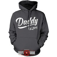 Personalized Daddy Hoodie - Father's Day Christmas Gift Daddy Est Sweatshirt Hooded Pullover Men's