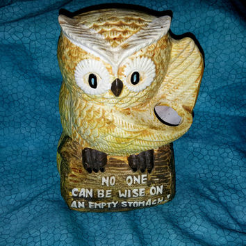 """Vintage Adorable Enesco Owl Utensil Holder Figurine Sitting on a Log  with the Phrase """"No One can be Wise on an Empty Stomach"""""""
